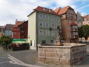 Marktplatz in der Altstadt von Eger (