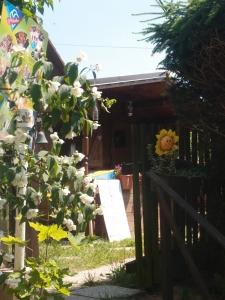 Kaltgetränke in einer kleinen Gartenhütte - danach gehen wir erfrischt weiter!