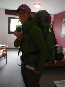 So seh ich übrigens bepackt aus - und mit bestem Wetterschutz ausgerüstet, auch wenn ich den kaum gebraucht hab heute :)