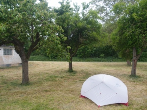 Zelt aufgebaut bevor es angefangen hat zu regnen