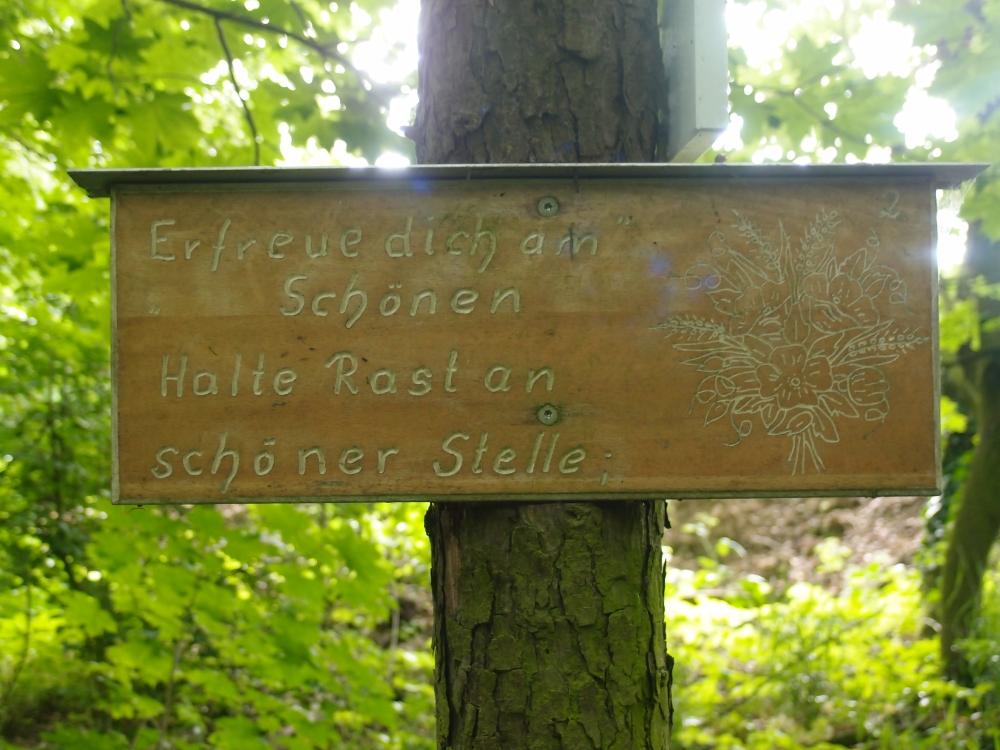 Und auch das Schild ist durchaus zwei Blicke wert!