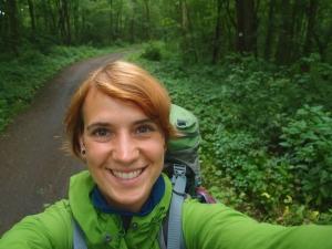 Wandern durch Wald und ohne Karte - Freude!