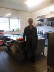 Ingrid ist am liebsten in ihrer Küche,  mir ist sie am liebsten beim Kaffee trinken mit mir :)